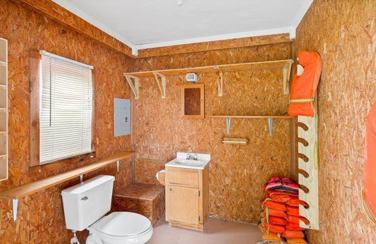 boathouse-bath